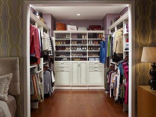 В шкафу, где хранится шуба, должен быть идеальный порядок