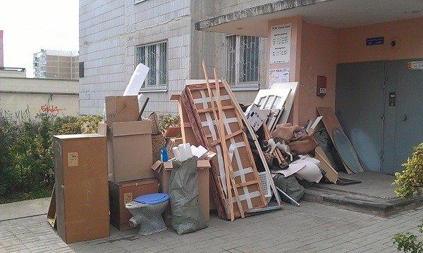 От старой мебели лучше избавиться