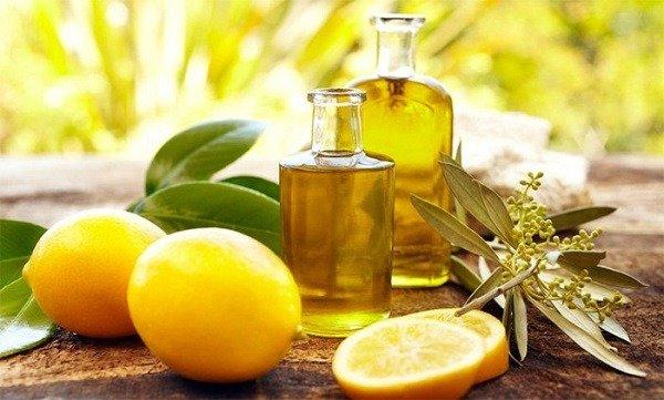 Эфирные масла и цитрусовые хорошо отпугивают моль