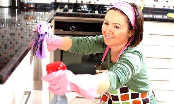 Делайте влажную уборку помещения с добавлением эфирных масел