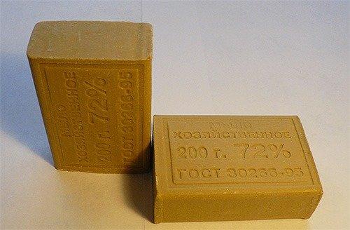 Хозяйственное мыло: надежный способ избавиться от моли