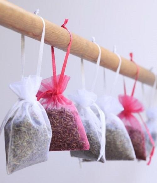 Высушенные ароматные травы для отпугивания моли