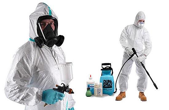Перед применением горячего или холодного тумана необходимо одеть защитный костюм