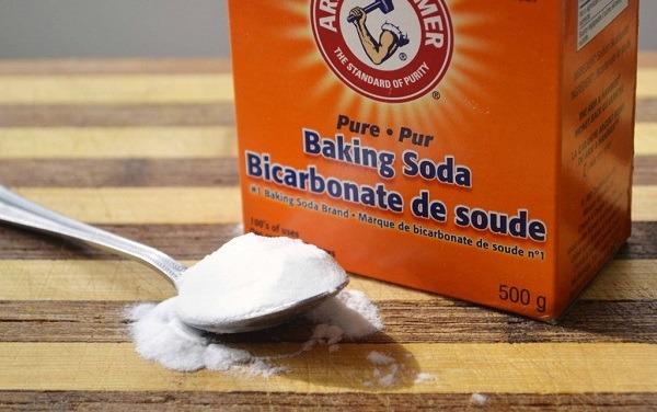Паста из соды с водой поможет при укусах клопов
