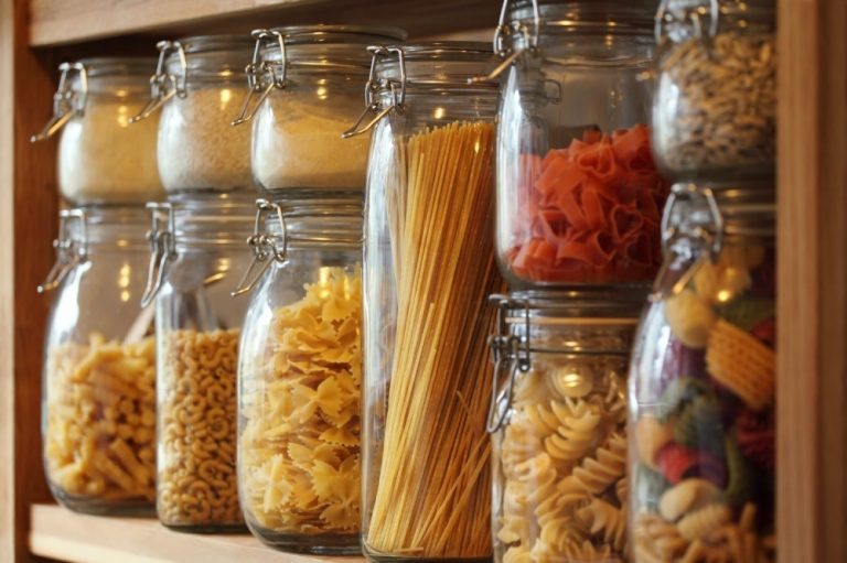 Хранение продуктов на кухне