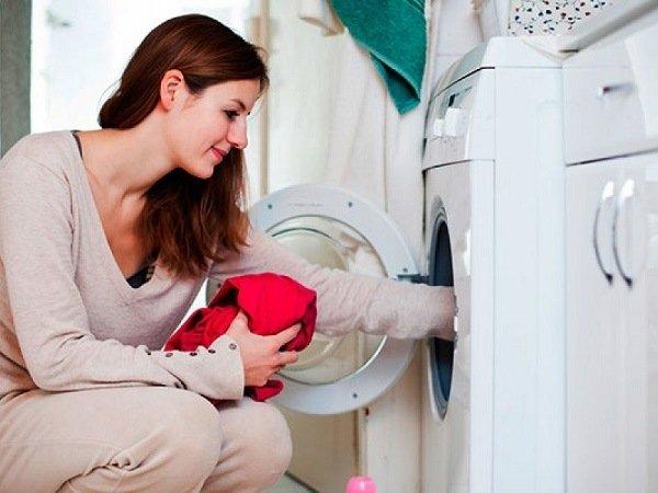 Выстирайте все белье при высокой температуре