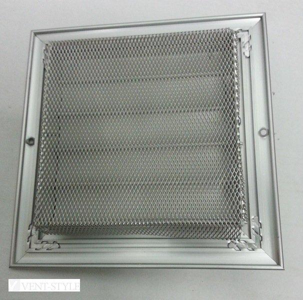 Закройте все вентиляционные отверстия мелкой сеткой