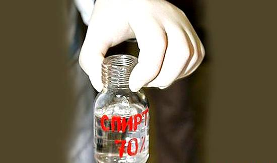 Протрите место укуса клопа спиртом - зуд пройдет