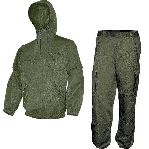 На природе необходимо позаботиться о специальной одежде