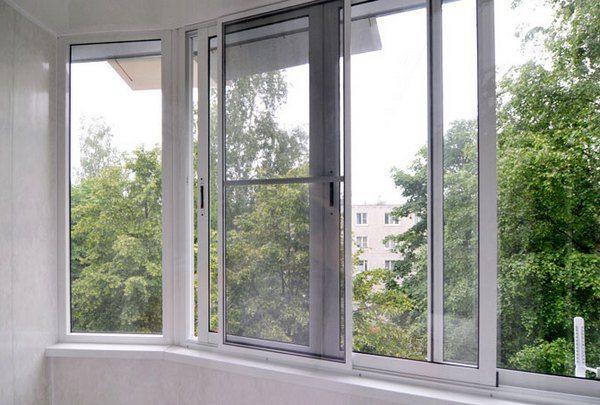 Противомоскитные сетки на окнах защитят Ваш дом от комаров