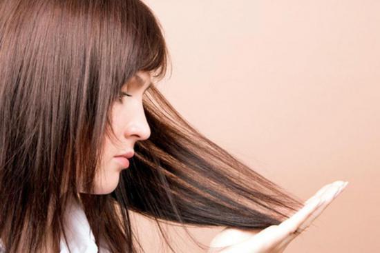 Чемеричная вода способствует росту волос